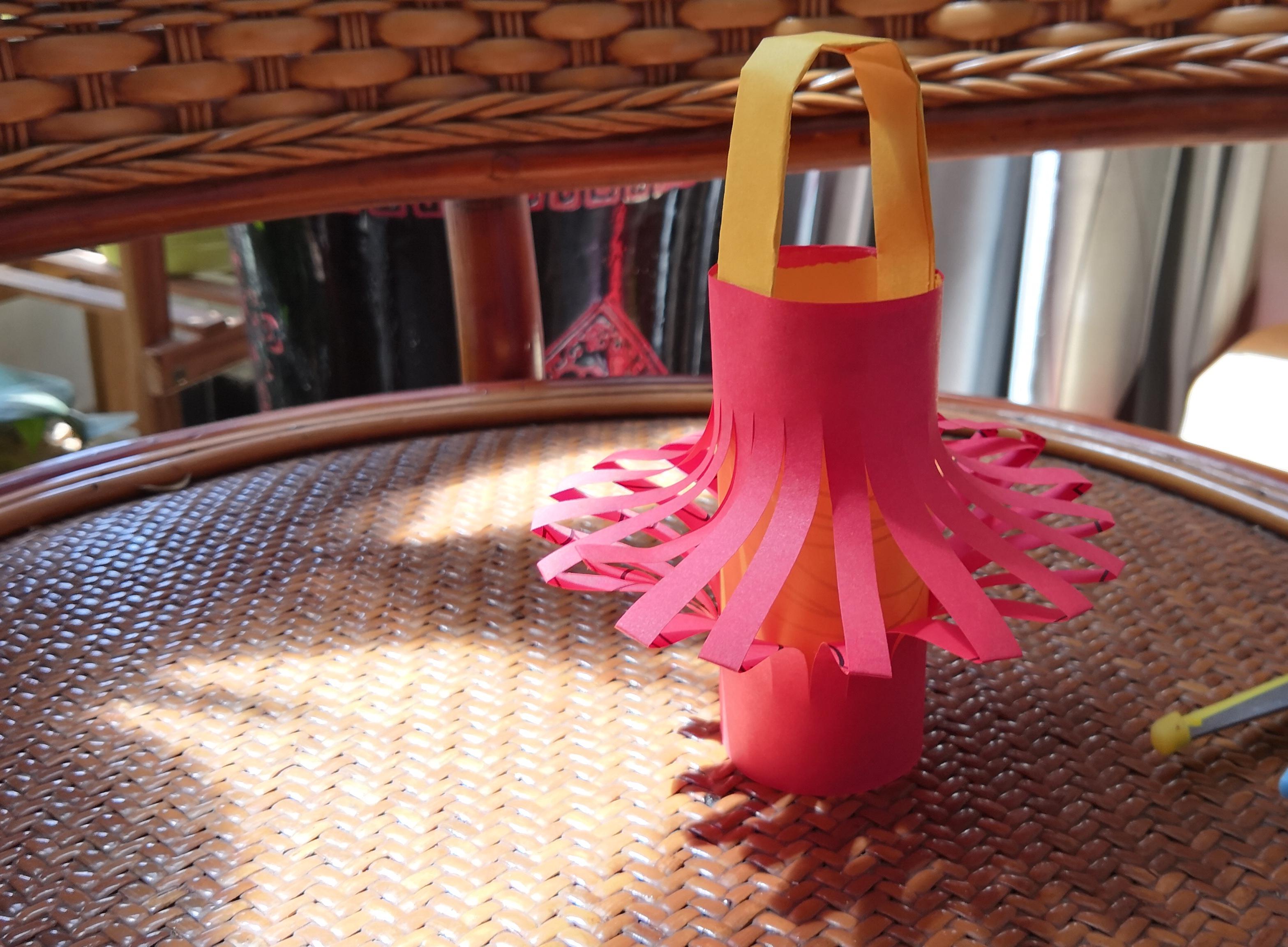纸灯笼的制作方法,幼儿园红灯笼的制作