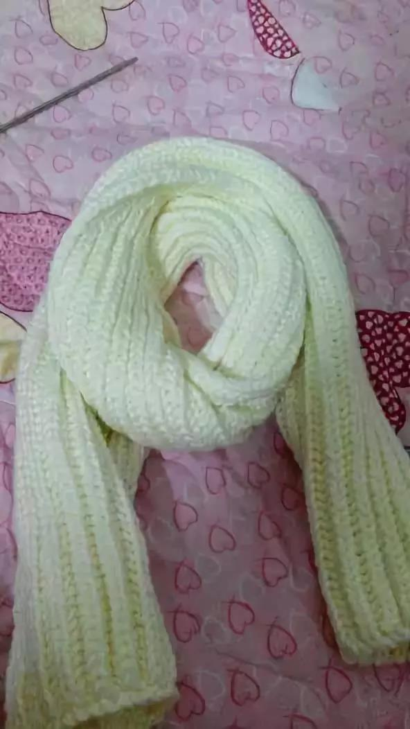 这款双元宝针编织的围巾,好看又好搭!